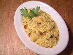 Duftreis mit Rosinen und Curry