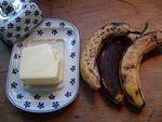 Bananen und Butter für ein leckeres Frühstück
