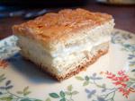 Ein schönes Stück Bienenstich Kuchen