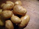 Kartoffeln in kleine Würfel schnippeln