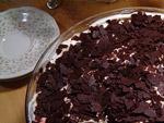 Fruchtiges Kuchendessert mit Löffelbiscuit