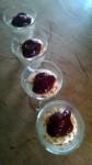 Fruchtiges Quark-Dessert mit Amarettini