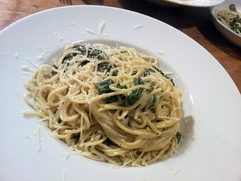 rezept f r spaghetti mit spinat und mascarpone. Black Bedroom Furniture Sets. Home Design Ideas